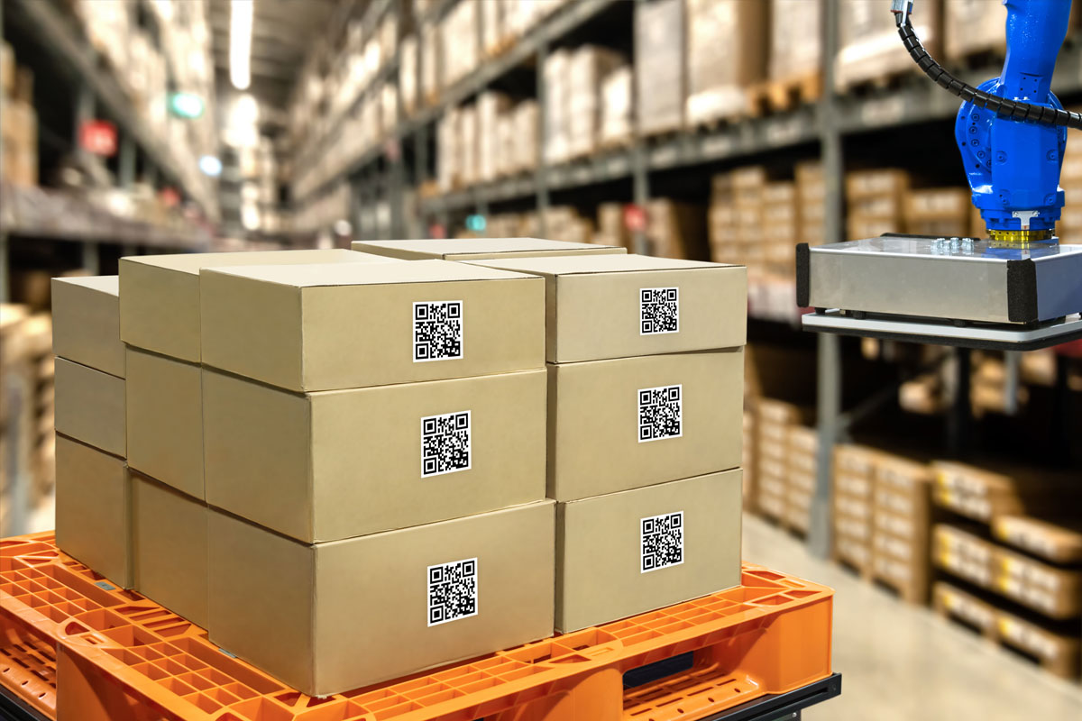 tech-smart-logistics-boxes-in-warehouse-qr-code